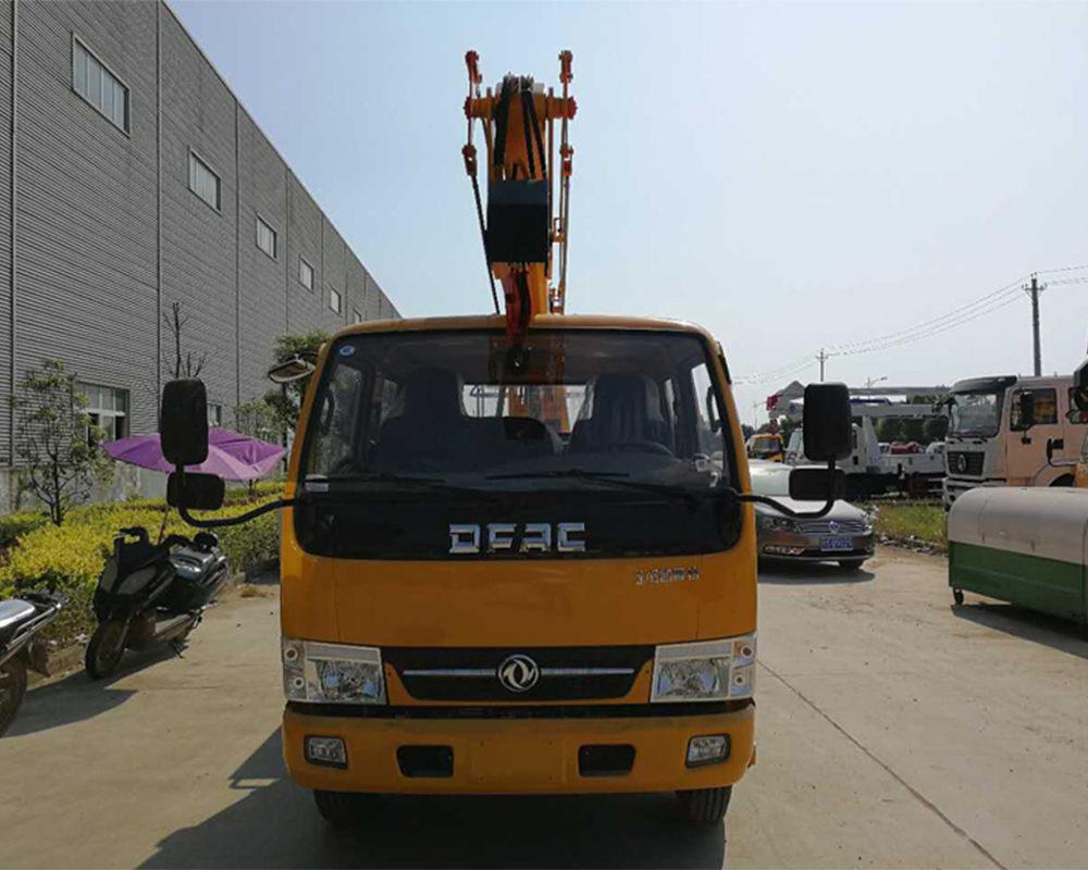 东风曲臂12米高空作业车