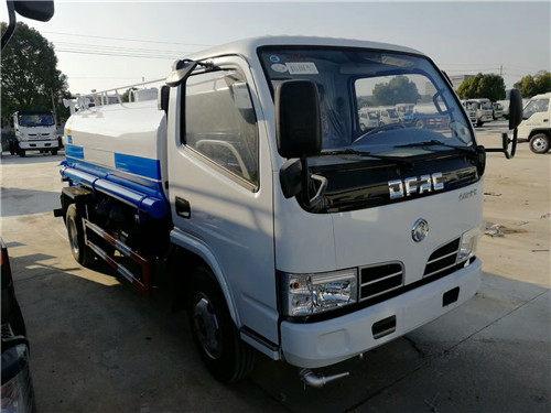 国三东风福瑞卡5吨洒水车